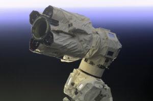 Latching End Effector alias LEE najdeme na obou koncích robotického ramene SSMRS