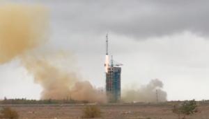 Start rakety CZ-2D s družicí VRSS-2. Zdroj: CGWIC