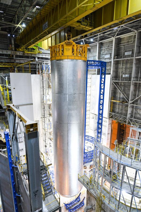 Nová letová nádrž na kapalný vodík pro EM-1, 15. září