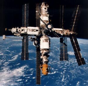 Ke stanici Mir se létalo dva dny