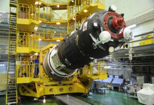 Progress MS-07 během přípravy na start