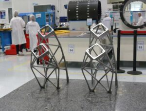 Držáky telemetrické a pokynové antény pro družice KoreaSat 7 a KoreaSat 5A jsou vyrobené 3D tiskem.