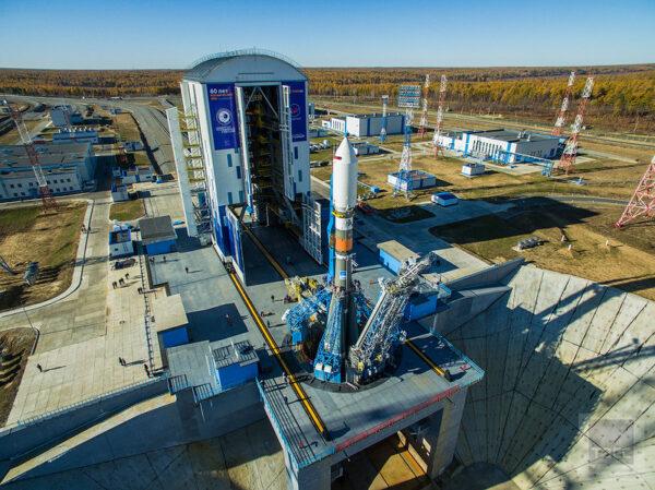 Z kosmodromu Vostočnyj byly na rok 2017 plánovány dva starty – již uskutečněný neštěstný Sojuz 2-1b s družicí Meteor M2-1 a chystaný prosincový start Sojuzu 2-1a se dvěma družicemi Kanopus B. Druhý jmenovaný však nakonec sklouzl do roku 2018.