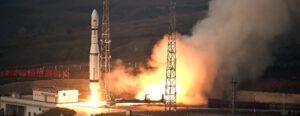 Start rakety Dlouhý pochod 6 s trojicí družic