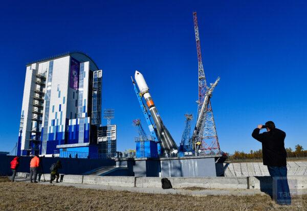 Raketa Sojuz 2 má různé konfigurace. První start z amurského kosmodromu proběhl s horním stupněm Volga. Druhý start již však proběhl se stupně Fregat, který umožňuje vynést těžší náklady na vyšší oběžné dráhy.