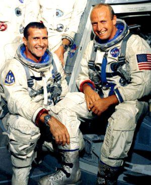 Posádka Gemini XI (zleva: Gordon, Conrad)