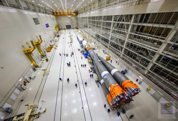 V současnosti lze v hlavní přípravné hale se dvěma křídly, která je nazývána MIK - Монтажно-испытательный комплекс (Montážní a testovací komplex), připravovat ke startu dvě rakety najednou.