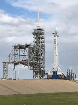 Falcon 9 pro misi Zuma už stál na startovní rampě