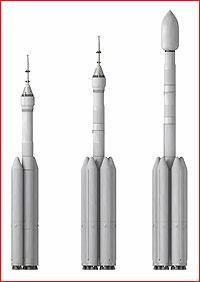 Vizualizace tří variant těžké ruské rakety podle plánů z roku 2017.