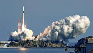 Raketa H-2A právě vynáší dvě družice do vesmíru. Jednou z nich je i Cubame.