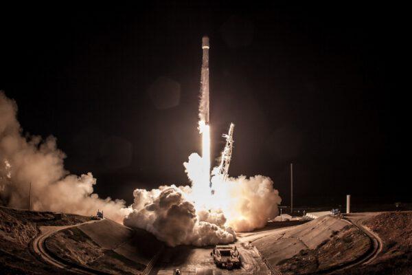 Falcon 9 v roce 2017 vzlétá naposledy