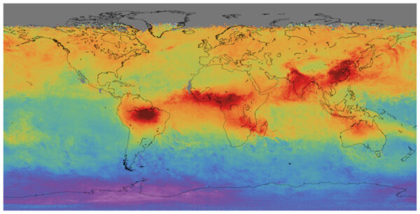 Družice Sentinel-5P startovala 13. října a vytvořila mapu rozložení oxidu uhelnatého na celém světě. Obrázek ukazuje vysokou úroveň tohoto znečišťovatele nad oblastmi Asie, Afriky a jižní Ameriky. Sonda sbírá data z oblasti široké 2600 kilometrů, což jí umožňuje během 24 hodin zmapovat celou Zeměkouli.