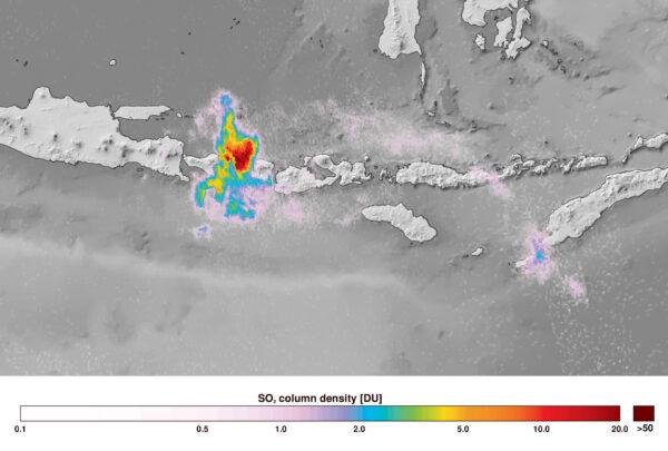 Erupce sopky na ostrově Bali zachycená 27. listopadu sondou Sentinel 5P.