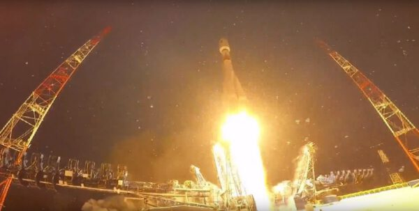 Start Sojuzu 2-1b