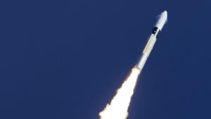 H-2A stoupá do vesmíru