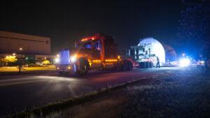 S transportním kontejnerem STTARS se musí jezdit pomalu - průměrná rychlost přesunu je 8 km/h.