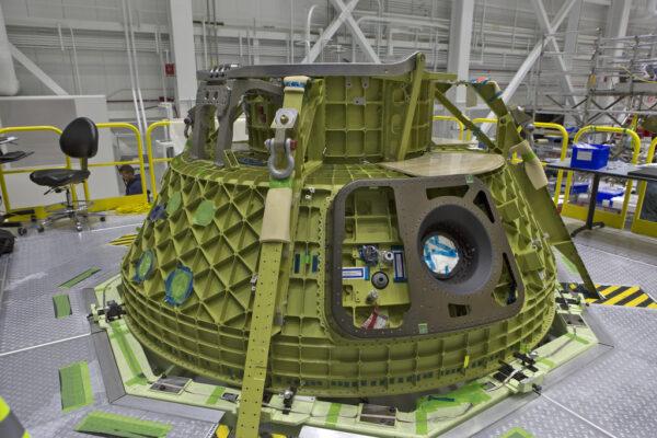 Horní část modulu pro posádku Starlineru Spacecraft-3, 30.10.2017