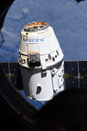 Odpojení Dragonu CRS-13 od stanice