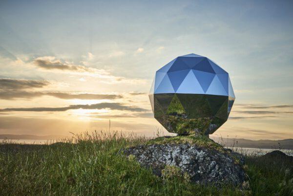 The Humanity Star - pasivní satelit pokrytý odrazivými plochami
