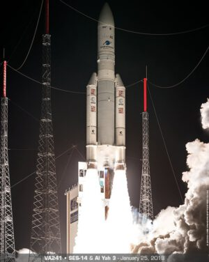 Start rakety Ariane 5 s družicemi SES-14 a Al Yah 3
