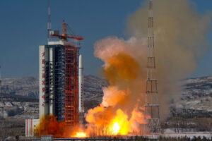 Družice Gaojing 1-3 a 1-4 startují na raketě Dlouhý pochod 2D