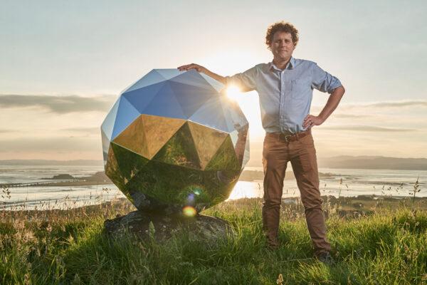 Humanity Star a ředitel firmy Rocket Lab - Peter Beck