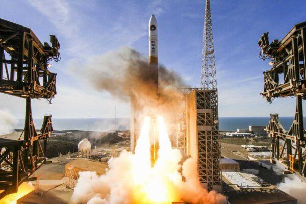 Delta IV startuje