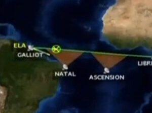 Jasně viditelná odchylka letu rakety Ariane 5 od plánované trasy.