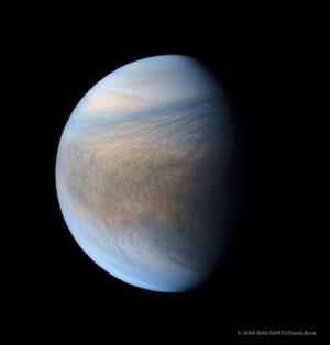 Dynamika Venušiny atmosféry si co do komplexnosti nezadá s tou pozemskou.
