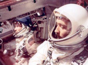 Posádka Gemini IV během výcviku
