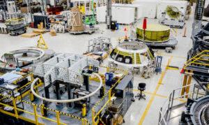 Díly tlakové kabiny Orionu pro EM-2, únor 2018. Svařená kabina má být přepravena na Kennedyhovesmírné středisko v září 2018.