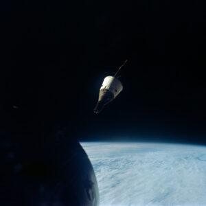 Gemini VII v dohedu!