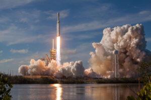 První start Falconu Heavy.