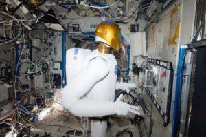 Stacionární Robonaut při práci v modulu Destiny