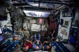 Astronauti na ISS.