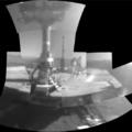 Mozaika snímků Opportunity z jeho vlastní kamery na robotické paži. Zdroj: NASA/JPL-Caltech/Cornell/ASU
