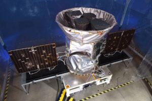 Dokončená vědecká družice TESS (Transiting Exoplanet Survey Satellite)