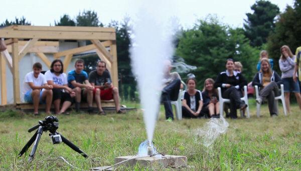 Statický test raketového motoru vytištěného na 3D tiskárně.