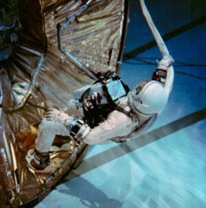Aldrin během nácviku v bazénu
