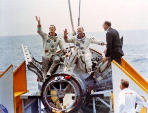 Stafford a Cernan na palubě Waspu