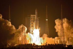 Start rakety CZ-5