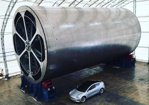 Zařízení pro výrobu rakety BFR.