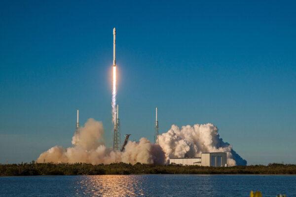 Osmý start rakety od SpaceX v roce 2018.