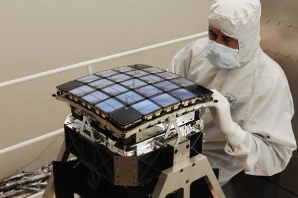 Oči Keplera - pole CCD modulů.