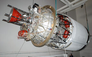 Motor RL10 na horním stupni rakety Delta IV.