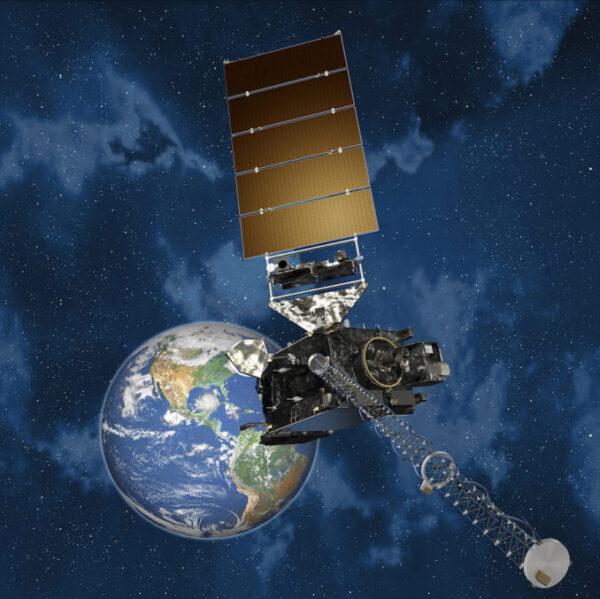Umělecká představa družice GOES-S na oběžné dráze.