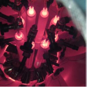 Testy přenosu tepla pomocí pasivního systému teplovodných trubek vyplněných tekutýmsodíkem steplotou přes 800˚C.