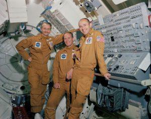 Posádka druhé expedice na Skylab: (zleva) Garriott, Lousma, Bean