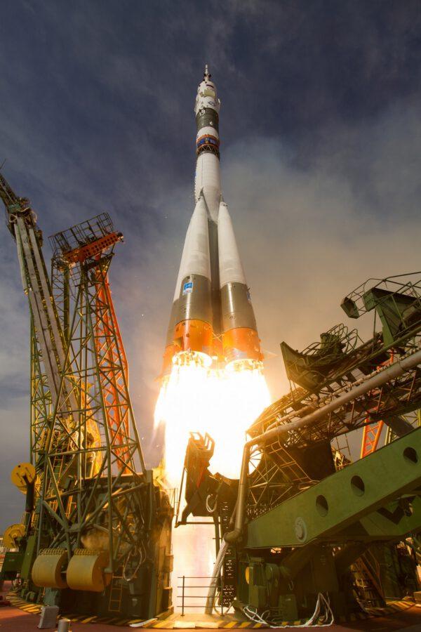 Sojuz FG se Sojuzem MS-09 startuje