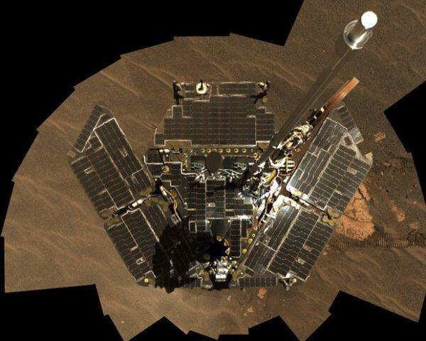 Solární panely roveru Opportunity.
